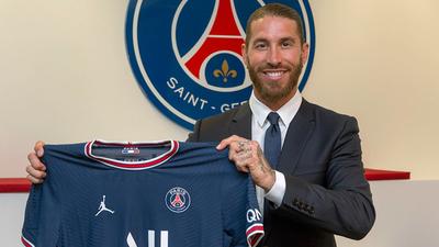 Sergio Ramos firma contrato con PSG hasta junio del 2023