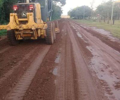 Realizan apertura y reparación de caminos en Mallorquín