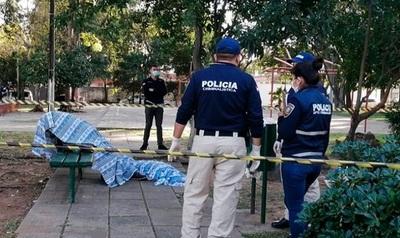 Dos coreanos muertos en plaza de Villa Morra, Asunción. Cuerpos no mostraban señales de violencia