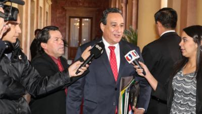 Por facturas falsas, denuncian en carácter de urgencia a la Gobernación de Central