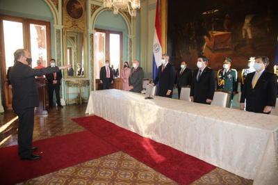 José Antonio Dos Santos Juró como nuevo embajador de Paraguay ante los Estados Unidos