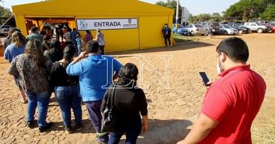 La Nación / Reiteran que empresas deben conceder permiso a sus trabajadores para la vacunación
