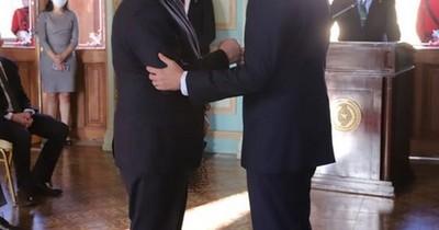 La Nación / Juró el nuevo embajador ante el gobierno de EEUU y prometió afianzar relaciones bilaterales