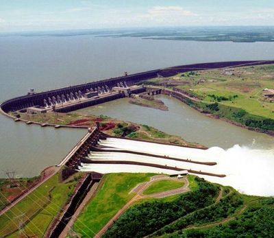 Director brasileño de Itaipú insiste sobre el carácter estratégico de Itaipú en el día en que alcanza 2.800.000 GWh de producción acumulada