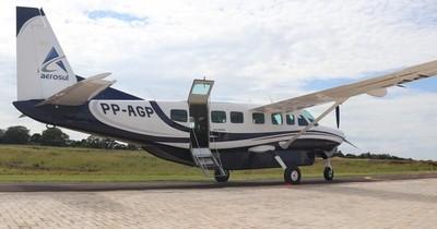 La Nación / Anuncian conexión aérea Foz de Yguazú-Asunción con dos vuelos diarios