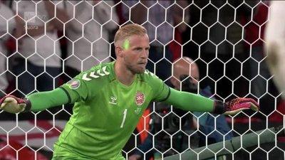 UEFA abre expediente contra Inglaterra por un láser utilizado contra el arquero de Dinamarca