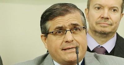 """La Nación / """"Bachi"""" cuestiona la selectividad de Fernández para investigar a políticos"""