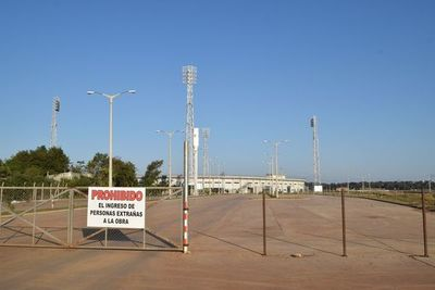 Consejo EBY araka'éve omonéï construcción de estadio 30.000 espectador-pe guarä