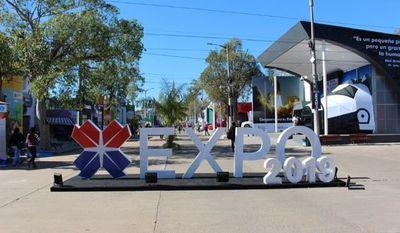 Salud puede disponer del predio de la Expo para montar un vacunatorio