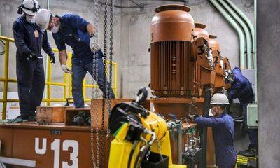 Técnicos inspeccionan sistema regulador de velocidad de la Unidad 13 de la Itaipú – Diario TNPRESS