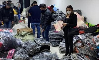 Incautan más de mil prendas de vestir falsificadas en el microcentro