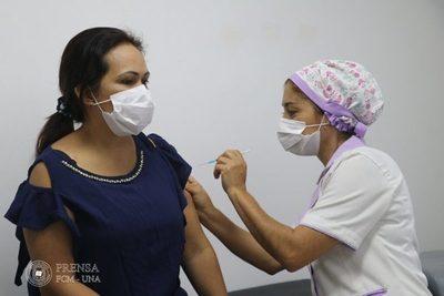 Hospital Clínicas: instan a vacunación masiva y seguir con las medidas preventivas