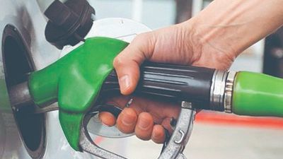 Convocan a protesta contra suba del combustible