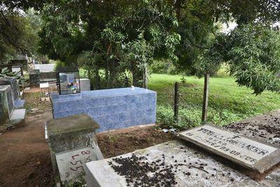"""Piden """"perdonar"""" pagos en cementerios asuncenos"""