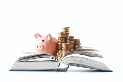 Rusia introduce la enseñanza obligatoria de educación financiera en las escuelas