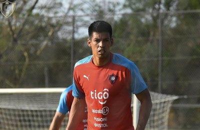 Julio Dos Santos; su drama contractual con Cerro y su relación con 'Chiqui'