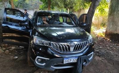 Recuperan camioneta robada durante violento asalto