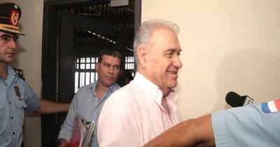 La Nación / Confirman que Ramón González Daher y su hijo enfrentarán juicio oral