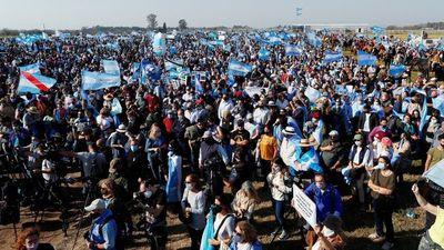 """Movilización opositora contra """"el populismo"""" en Argentina"""