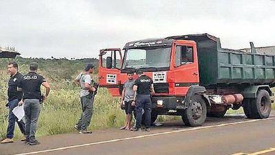 Condenan a policía por carga de droga