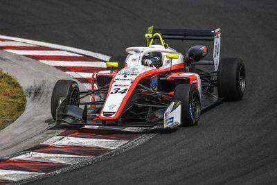 Joshua da primeros pasos en la Fórmula 3