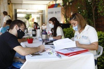 Más de 1.500 jóvenes usufructuarán las becas Itaipu-Becal