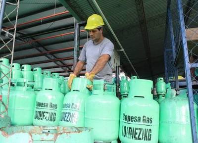 SIGUEN LOS AUMENTOS: EL GAS SUBE G. 800 POR KILO Y G. 400 POR LITRO, CONFIRMAN