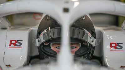 Joshua Duerksen hace historia en su debut en la Fórmula 3