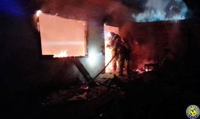 Incendio deja en la calle a una familia en Luque •