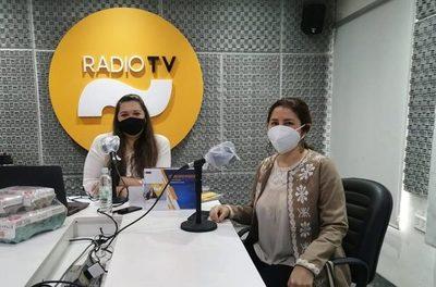 Confeccionistas se unen para combatir el frío y abrigar a familiares de pacientes en hospitales