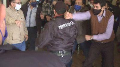 Postergan elección de intendente en Presidente Franco tras incidentes