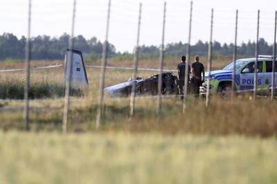 Se estrella en Suecia avioneta que transportaba paracaidistas deportivos y deja 9 muertos