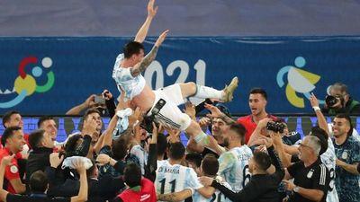 Messi rompe marcas: Máximo goleador y líder en asistencias