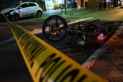 Motociclista pierde la vida tras ser arrollado sobre la avenida Carlos Antonio López