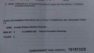 Médico sufrió embargos judiciales a causa de mafia de cheques robados