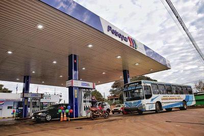 "Petropar aguantaría hasta agosto para bancar su diésel, ahí ""analizarán"" suba de pasaje"
