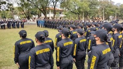 Agentes penitenciarios aprueban curso de control de motines dictado por la Policía Nacional