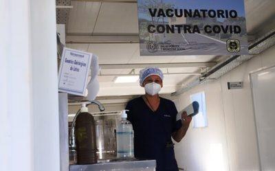 Controlarán a empresas que nieguen permiso para vacunación a sus funcionarios