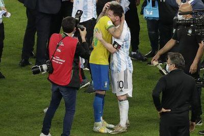 """Neymar: """"Cuando perdí fui a darle un abrazo al más grande de la historia"""""""