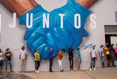 República Dominicana aclara que españoles podrán entrar con vacuna o prueba