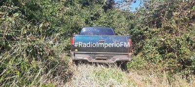 Recuperan en camioneta hurtada en Coronel Sapucaia