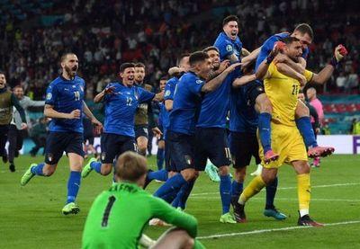Italia levanta su segunda Eurocopa venciendo a Inglaterra