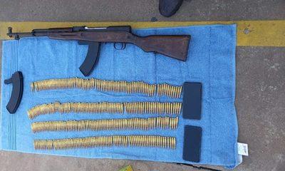Luque: Imputan a militar del Gabinete Presidencial por intentar vender un fusil AK 47
