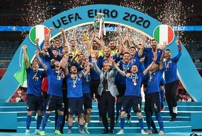 Crónica / Batacazo en Wembley: Italia gana y lleva la Copa a Roma
