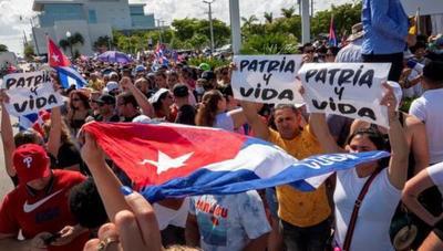 Cuba: Bloquean internet y cortan electricidad en varias zonas para impedir la difusión de protestas