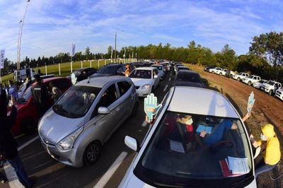 Fiesta en el autódromo Rubén Dumot con inicio de megavacunación