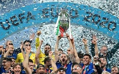 Futbolistas italianos ganarán 250 mil euros por su victoria en la Eurocopa