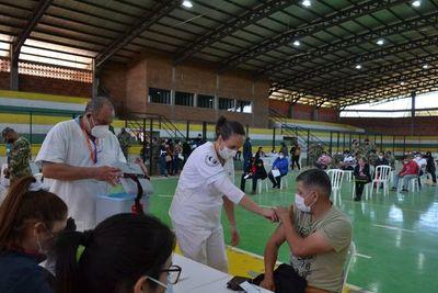 Masiva concurrencia para vacunación en San Juan Bautista, Misiones