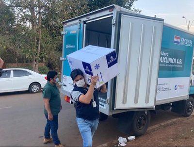 Vacunación contra el Covid-19: masiva concurrencia en el Alto Paraná · Radio Monumental 1080 AM