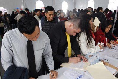 México recobra 400.000 empleos formales en 2021 pero la meta aún está lejos